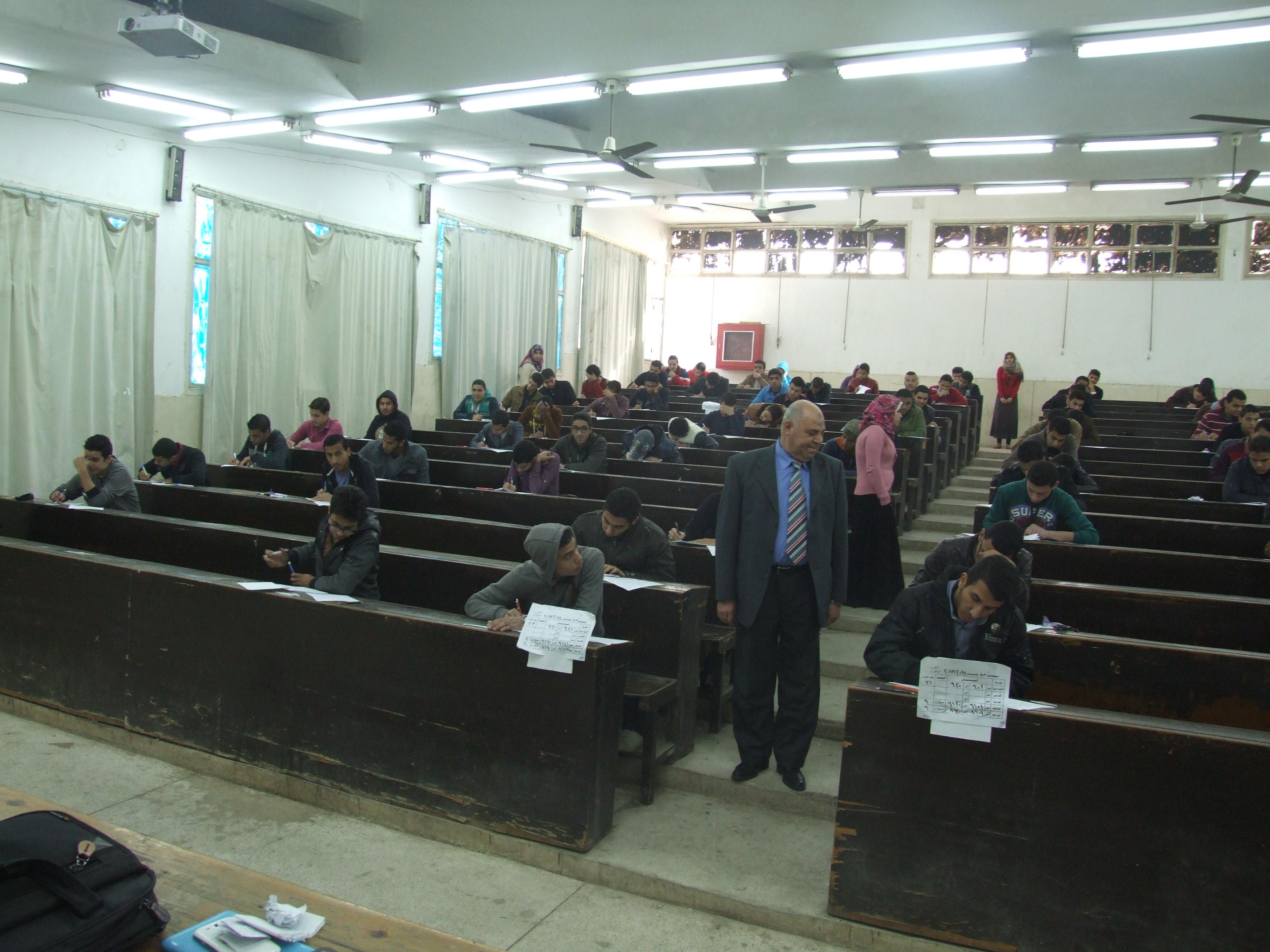 بدء امتحانات الفصل الدراسي الأول للعام الجامعي 2104 - 2015