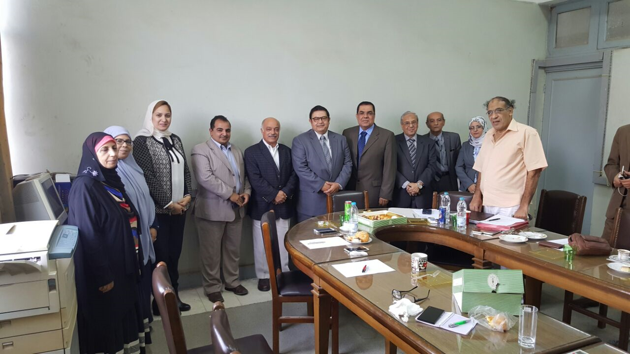 Prof. Alaa Atta Dean of the College inspects the Department of Architecture