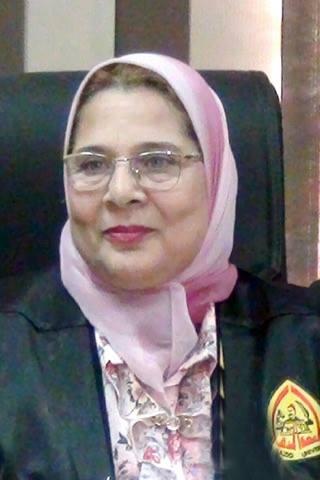 تهئ أسرة الكلية والعاملين واعضاء هيئة التدريس بتولى أ.د/ إيمان سعد زغلول عمادة الكلية